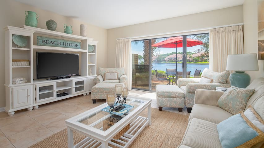 20-25% OFF for 2019! Lakefront Villa - New Golf Cart - Walk to the Beach
