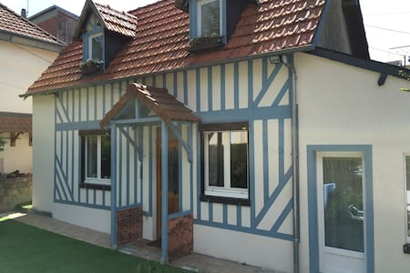 Maison familiale Trouville, terrain - Trouville-sur-Mer - House