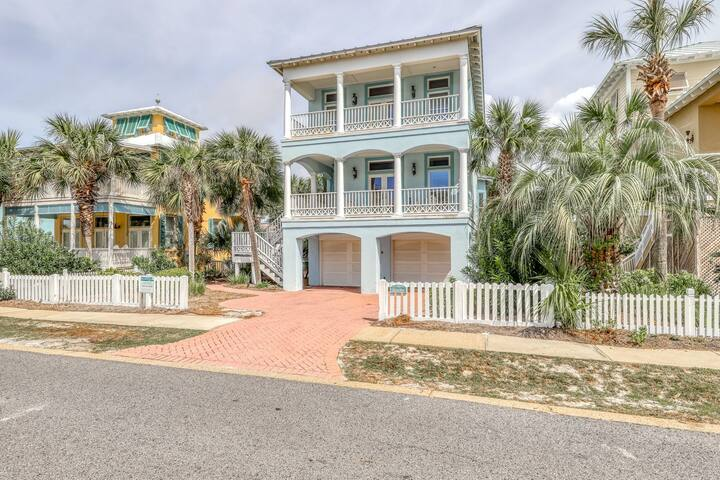 Beautiful 4-Bedroom Home Located in Destin Pointe, Near shops and dining!