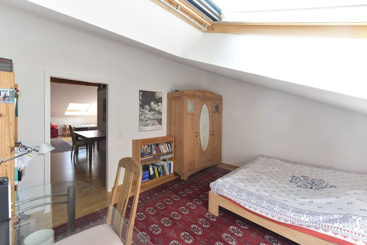 Room for 2 with large bed in top floor