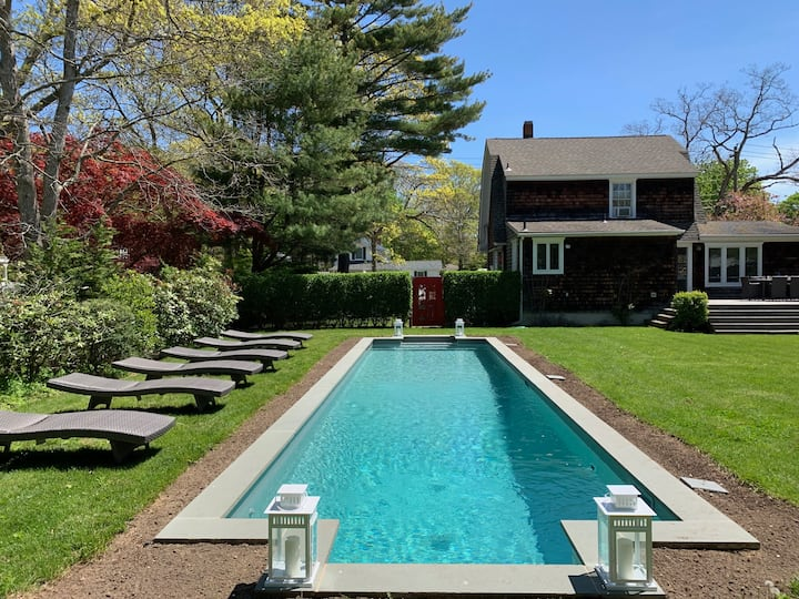 Gorgeous Bellport Village beach home w/ pool