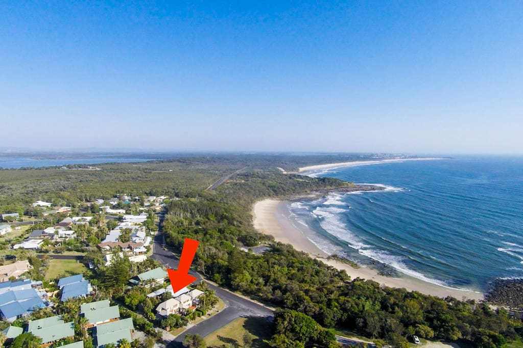 Close walking distance to Spookys beach