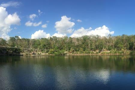 Cabañas en el Cenote Agua Azul - Valladolid Nuevo - Natur-Lodge