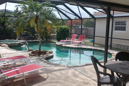 Heated Pool/Spa Private Beach Home