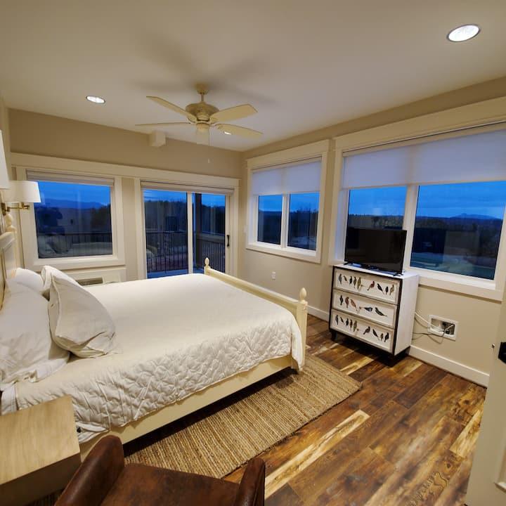 Bedroom 9 - The Big Creek Lodge