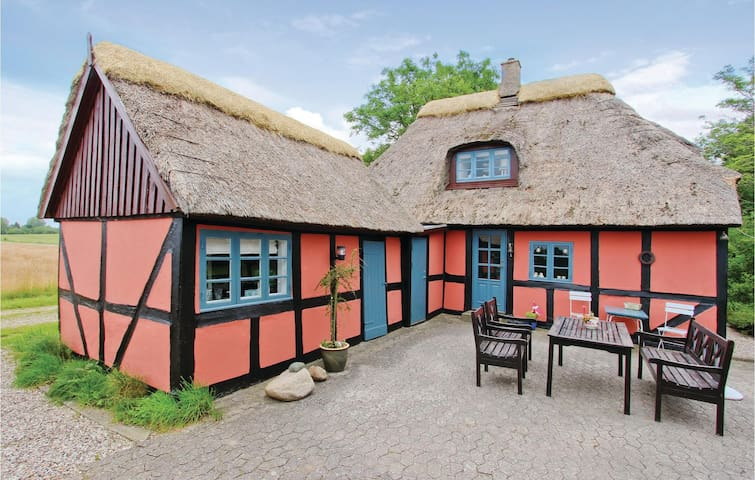 Holiday cottage with 2 bedrooms on 95m² in Rudkøbing
