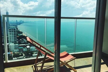 Cetus beachfront condo in Jomtien - Muang Pattaya