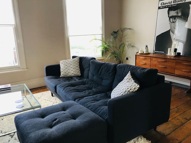 Sunny flat in Victoria Park 4-6 months stay
