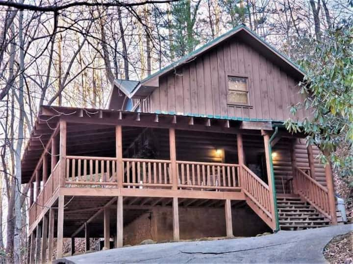 Cozy Cabin, Ski Mtn Area, 5 minutes to Gatlinburg!