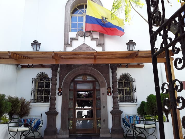 VILLA DE SANT HOTEL BOUTIQUE 100% ECUATORIANO