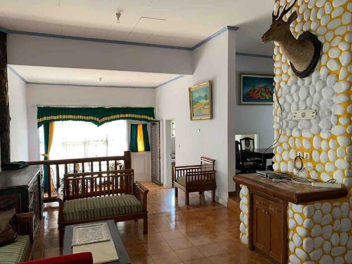 MN Villas 4 Bedroom Kota Bunga Cipanas