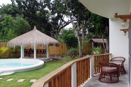 (101) Pool Side Studio, Private Balcony, Breakfast - Panglao - Bed & Breakfast