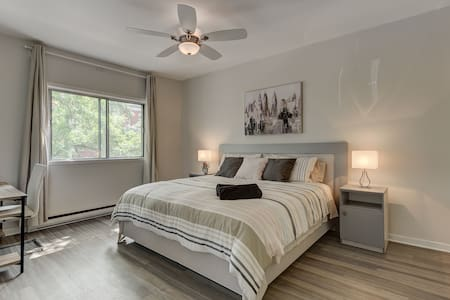 BEST- Beautiful 2 bedroom home 'king beds' with AC