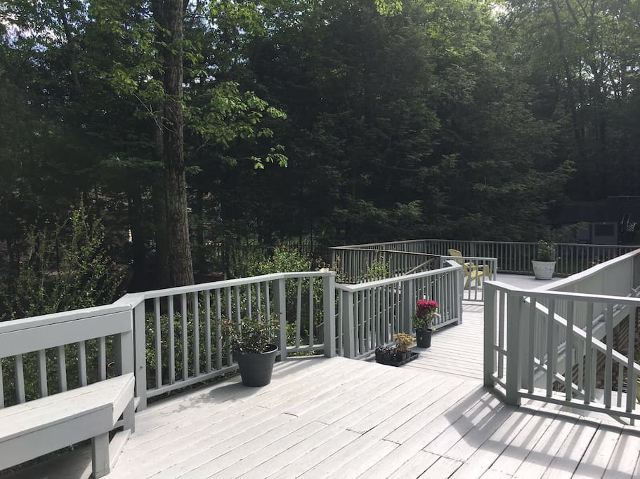 Large decking area for BBQs
