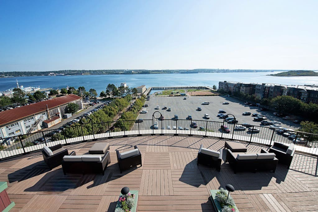 Harbourview Terrace: Panoramic harbourfront water views of downtown Halifax.