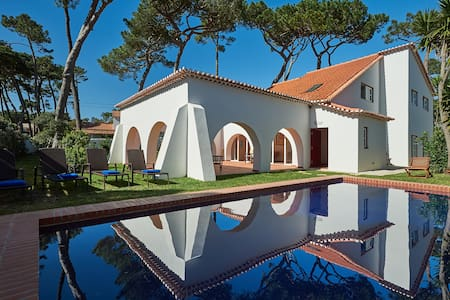 House in pinewood, garden, swimming pool, beach - Colares - Dům