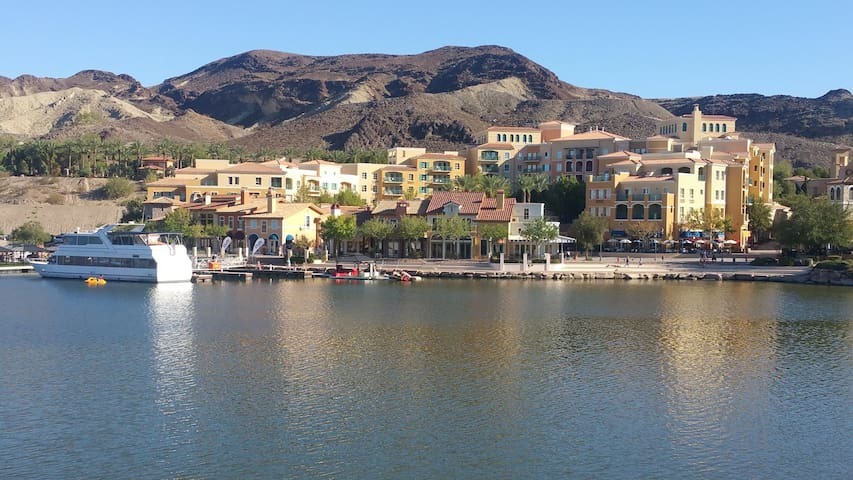 Lake Las Vegas. Great views
