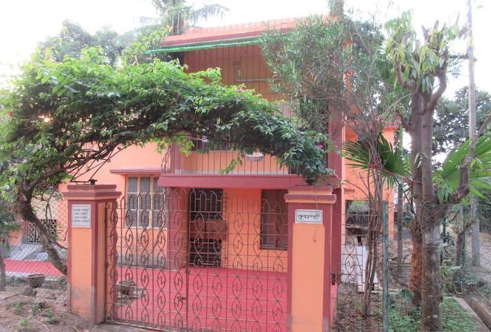 Pubali - Spacious Private double room - Bolpur