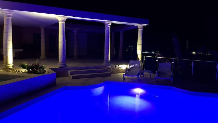 C'renity The Villa