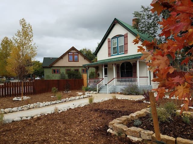 Quaint 3BR Victorian close to all things Salida