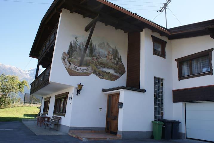 Ferienhaus Waldesruh, 6 bis 18 Pers - Sautens - Hus