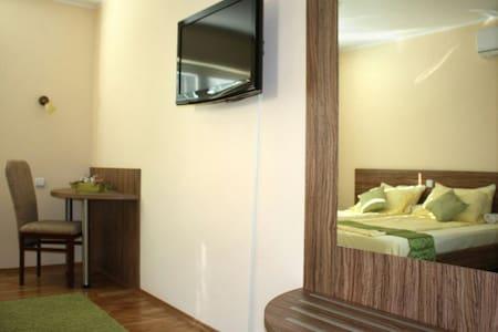 Novi, topli i sunčani apartman Žarka Zrenjanina 37