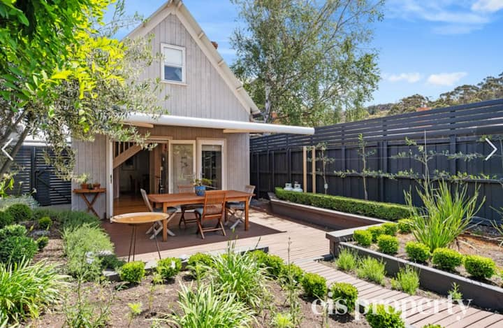 Lovely North Hobart Cottage - Entire Home