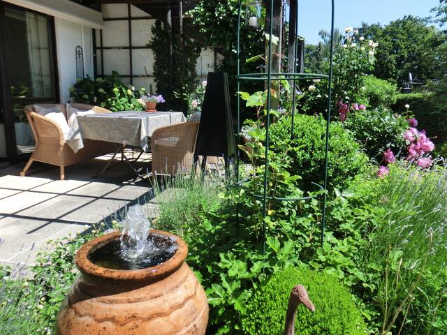 Fantastic garden flat near Lake Starnberg