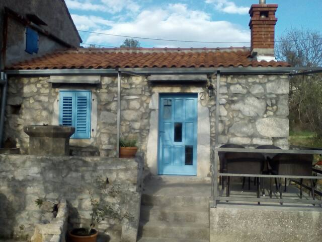 Charming stone house Laura - Skrpčići