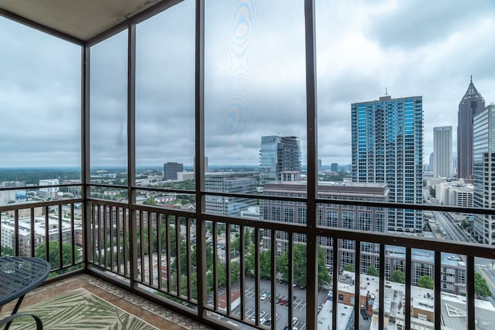 20B Prime Location! Gorgeous Views.