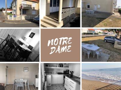 Appartement 50 m de la plage centrale