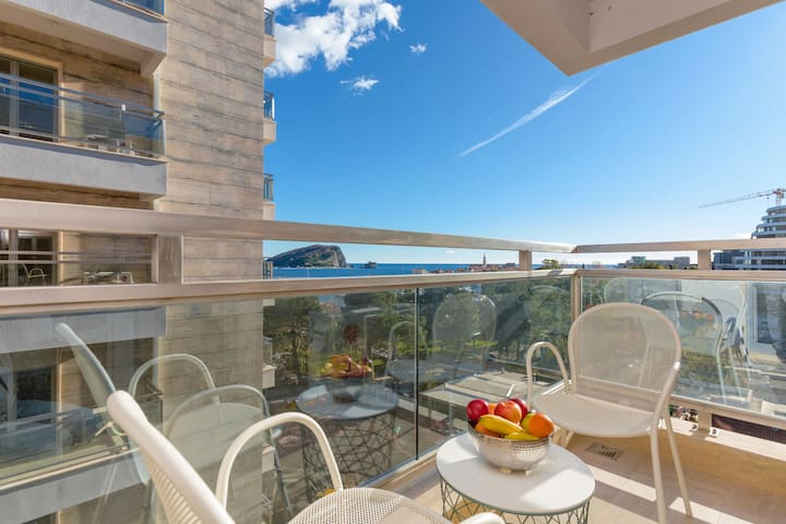 Apartments Krug - One Bedroom Ap with Sea View