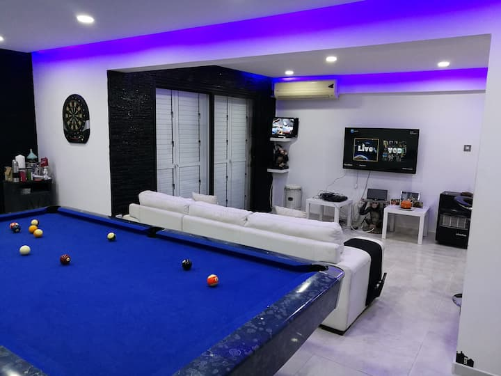 Luxury one bedroom apartment with Roof terrace