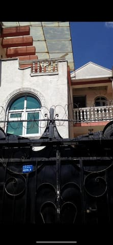 قريب من سوق ادنا مول