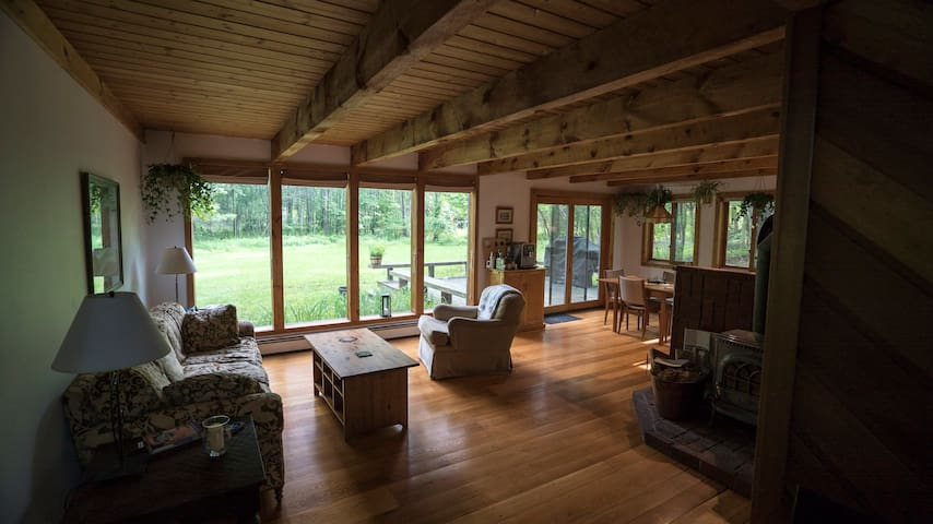 Warm and Modern Country Cabin - 2 hours from NYC