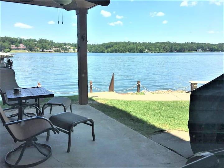 Lake vacation? Look no further!!