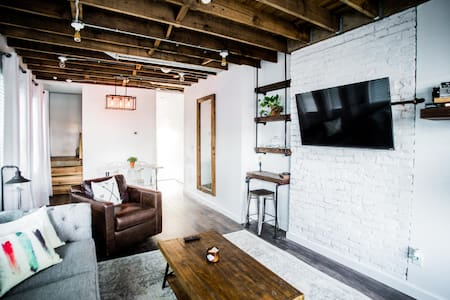 Weinland Park / Short North Duplex