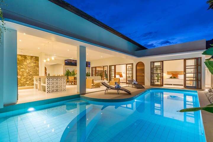 Brand new designer villa in Berawa, Canggu