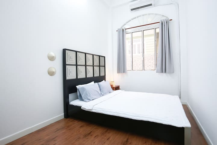 Cozy Bedroom Near The Heart of District 1 - Ho Chi Minh City - Rumah