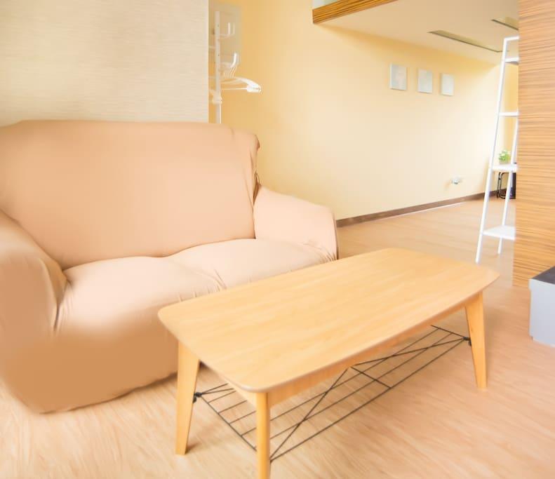 舒適沙發及寬闊的空間