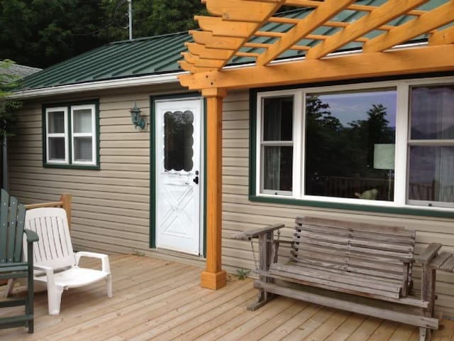 Cozy lake cottage for two! - Dundee - Rumah