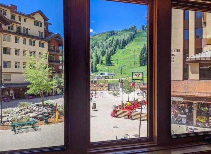 Purgatory Resort Ski-in/Ski-out Studio with Views!