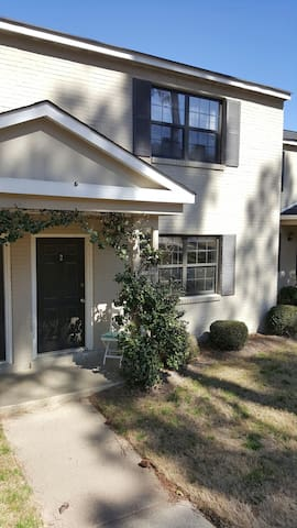 Charming Townhome 2 mi from Masters - Augusta - Appartement