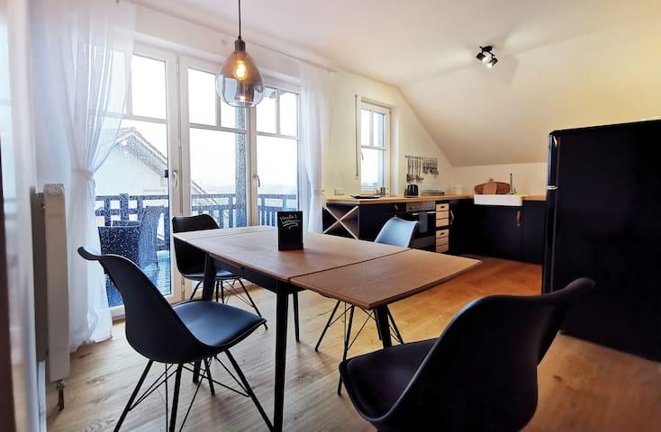 Schönes sonniges Apartment mit 2 Balkone