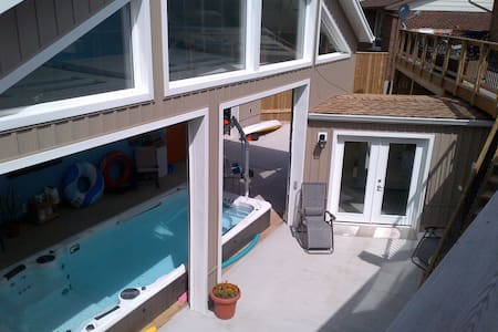 Hydro Pool with 2 Bedroom Apartment - Kitchener