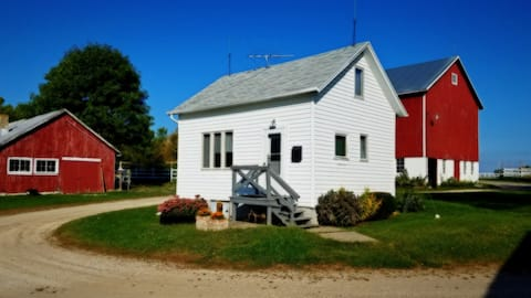 Comfy Cabin on 170 Beautiful Acres - Come Explore!