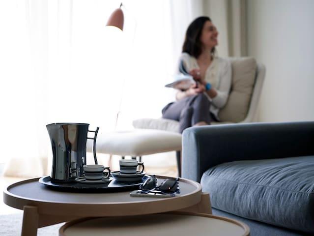 Scale Suites - Penthouse Loft - Alimos - House