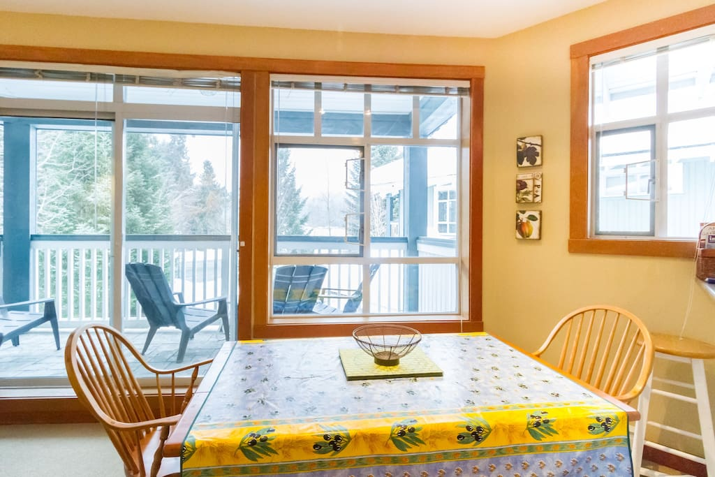 Dining Area with views of Blackcomb Mountain!