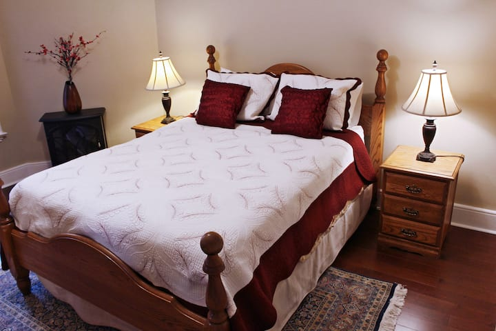 Applewood House B&B - Ambrosia Room