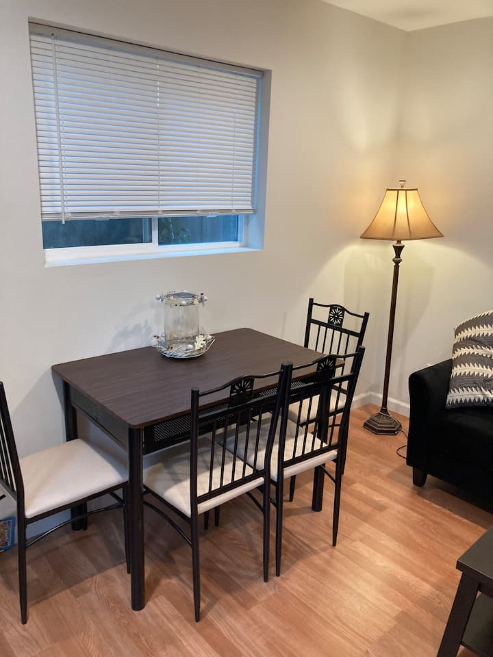Apartment in great location near target Trader Joe